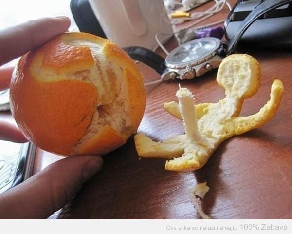 Dragi, oljušti mi narandžu