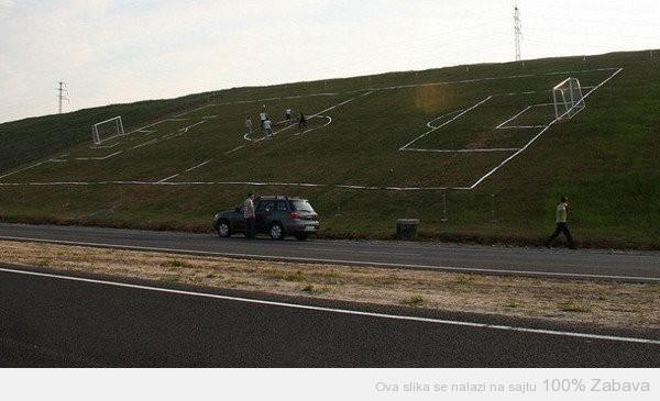 Drugačiji fudbal