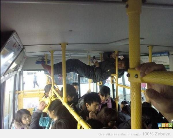 Gužva u busu
