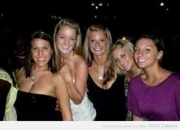Koliko devojaka se nalazi na slici?