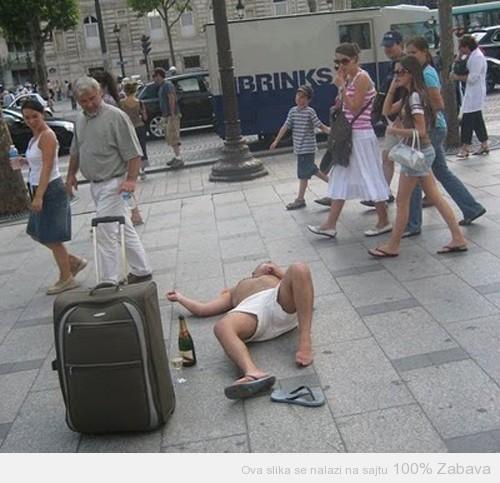 Veseli turista