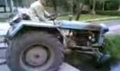 pijani-deda-i-traktor
