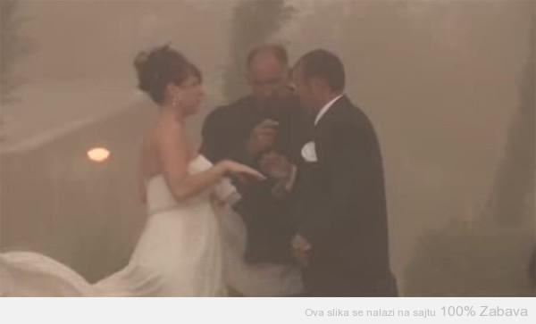 Sranje na venčanju